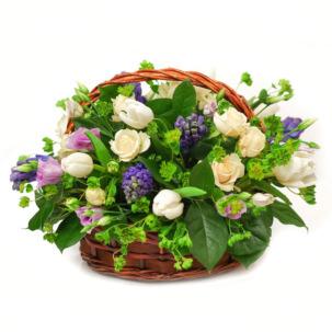 """Цветы в корзинке """"Голубые огоньки"""""""